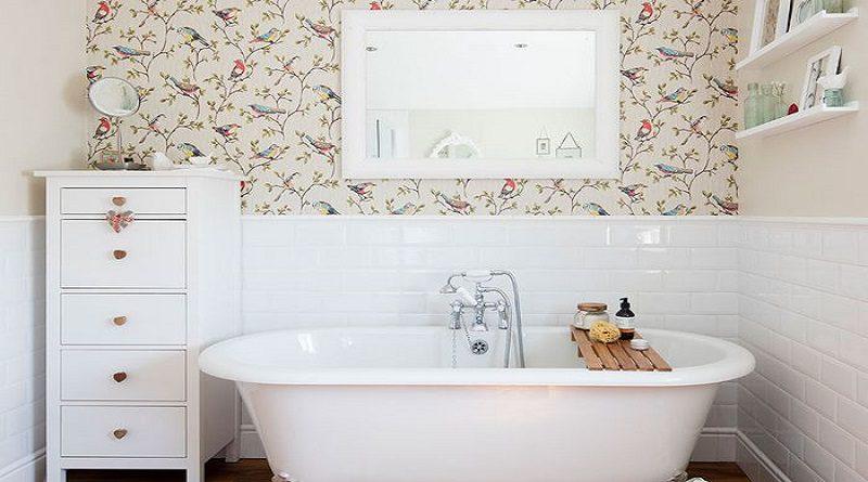 7 Ide Wallpaper Unik untuk Kamar Mandi