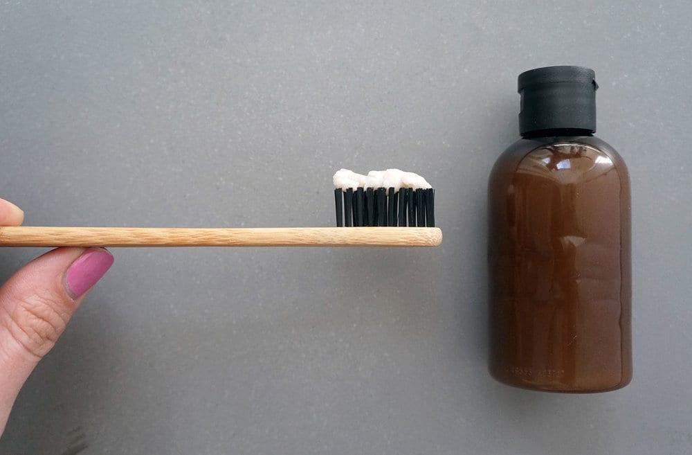 4 Rahasia Pembersihan Efektif Menggunakan Pasta Gigi!