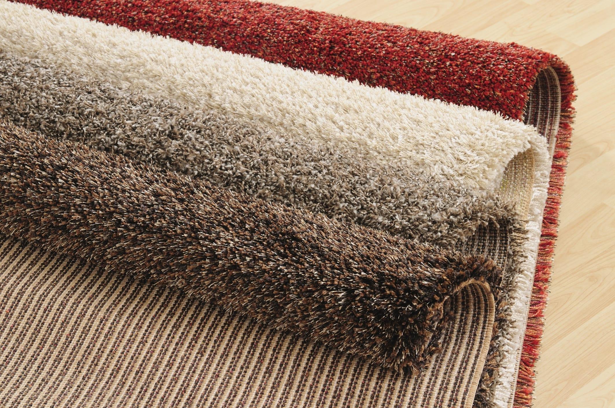 Cara Mencuci Berbagai Karpet Bulu di Rumah!