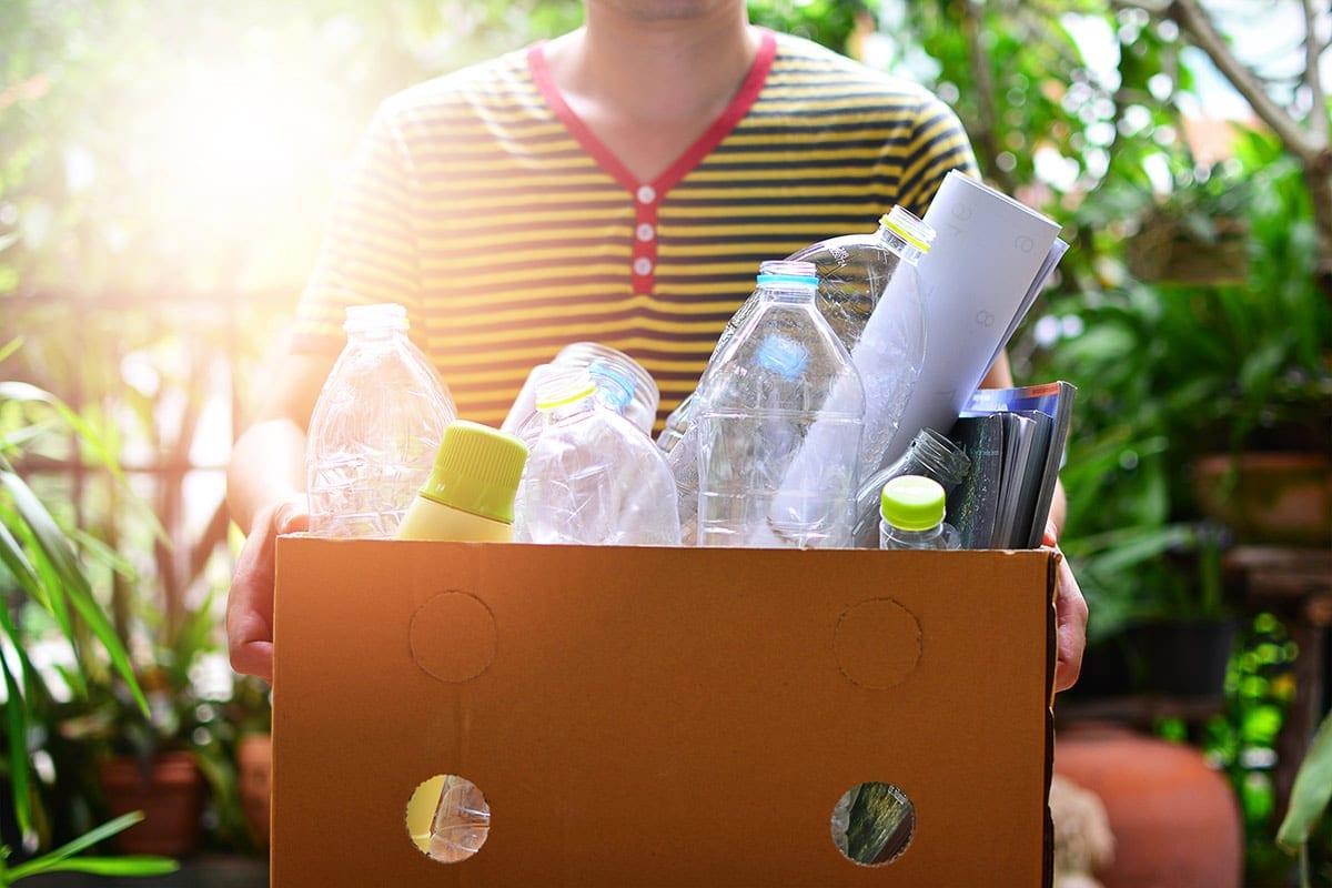 10 Tips Mengurangi Penggunan Plastik Di Rumah